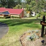 Alarks Nest Front Driveway_opt